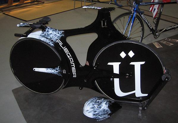 Blackbird Bike concept time trial machine by Ruegamer